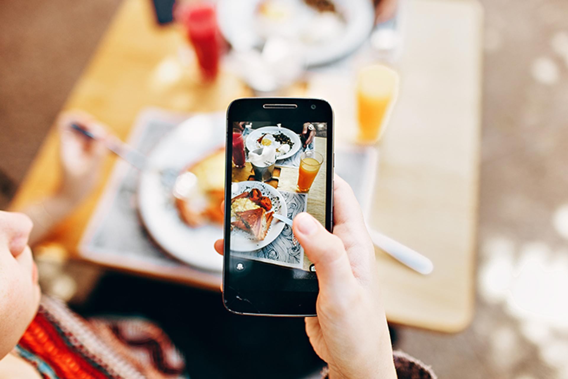 Giving Restaurant Customers Free Wifi